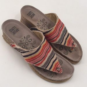 Muk Luks Sue Ellen Wedge Stripe Sandals Cork 8,5